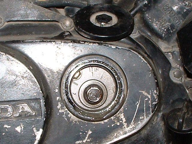 气门间隙 检查 新生/检查一缸气门间隙。